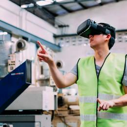 How Virtual Reality Enhances Learning Outcomes in Processing Industries