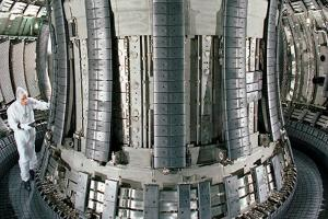 The vacuum chamber in the British fusion reactor JET. Photo: Eurofusion